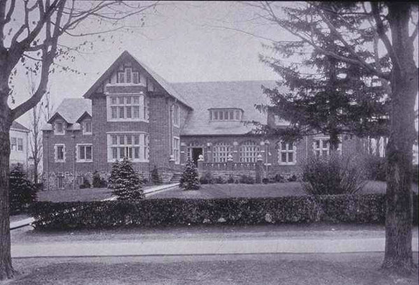 1925:  Key and Seal Club III