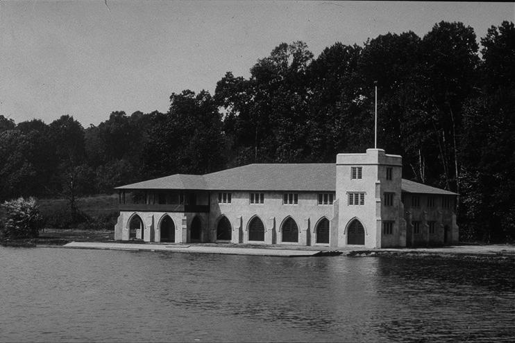 1913:  Class of 1887 Boathouse