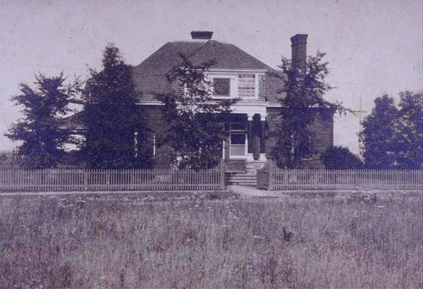 1891:  Osborn Club House